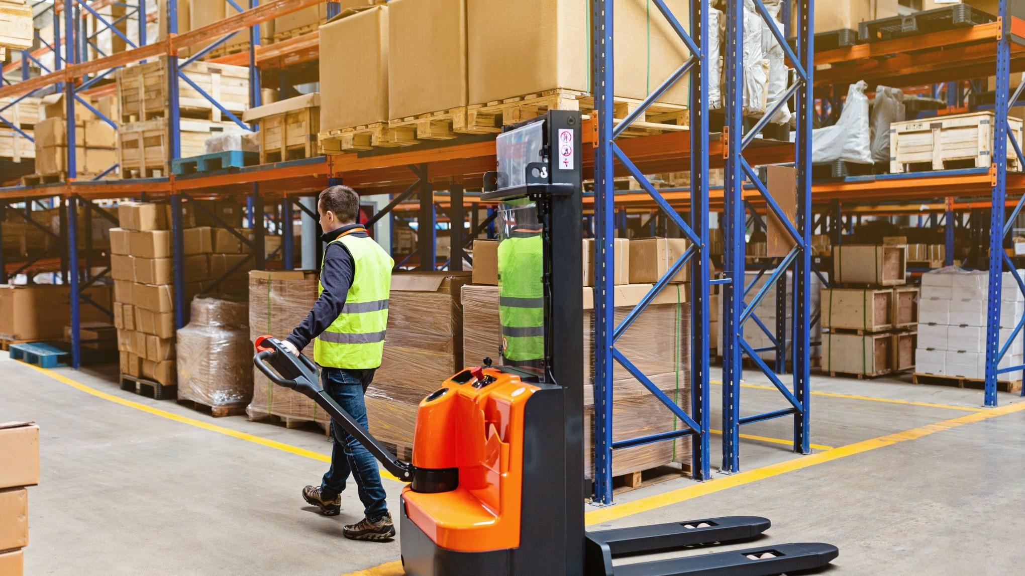 reachtruck reach truck high lift stacker stacker class ii truck sit on forklift pallet warehouse t20 xXm1a9